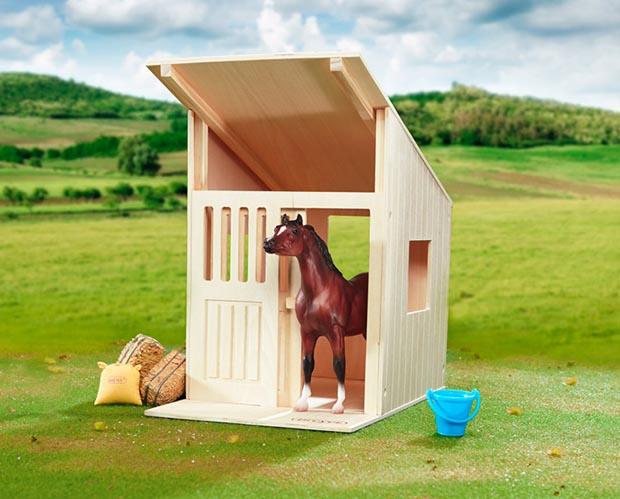 horse barns horses barn not enlarge breyer pony gals included friendship