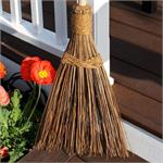 The Ultimate Garden broom Works like a broom, acts like a rake! Ideal for cleaning decks, walkways, patios, driveways, pathways, lawns, spreading mulch and more. The Ultimate Coconut Garden Broom™ will work perfectly in all seasons and in all weather cond