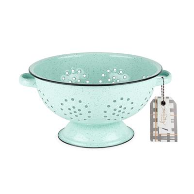 Combine the simplicity of farmhouse living with the endurance of polished porcelain enamel. Fashioned from rolled steel, this generously-sized, five quart colander comes equipped with a smattering of fine perforations and dual wide set handles. This nosta