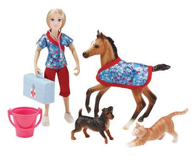"Children can take the foal to its first checkup at the vet's, where it meets some new animal friends! Includes: 6"" articulated doll, foal, foal blanket, cat, dog, bucket, vet bag, and stethoscope. Classics Size Models."