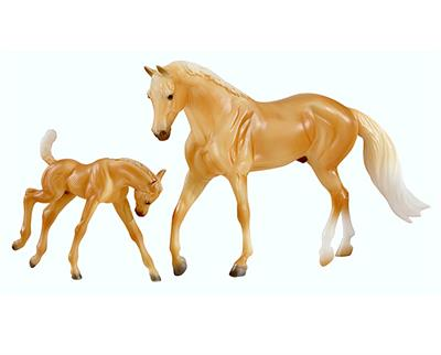 Light Yellow AQHA horse and baby horse. Sir Buckingham mold of model horse.