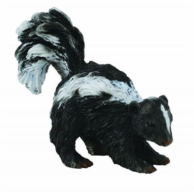 "Although they have excellent senses of smell and hearing, they have poor vision, being unable to see objects more than about 3 m (10 ft) away. Woodlands Skunk figure measures 2.2"" L x 1.6"" H and is realistic down to the two white stripes down is back. Sui"
