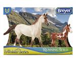 reyer Horses Classic Size (Freedom Series) Running Wild Set #62204 American Mustang Mare and Foal  Mustangs are feral horses that are found in the American west. They descended from horses brought to the Americas in the 16th century by Spanish explorers.